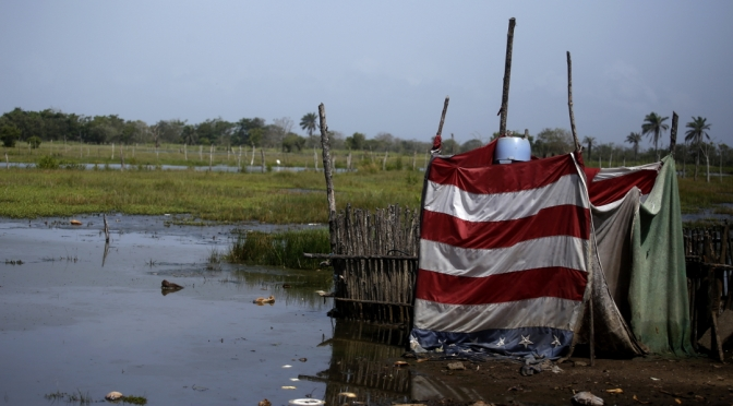 """""""No nos queda mucho tiempo"""", el grito de una comunidad hondureña a punto de ser sumergida por el mar"""