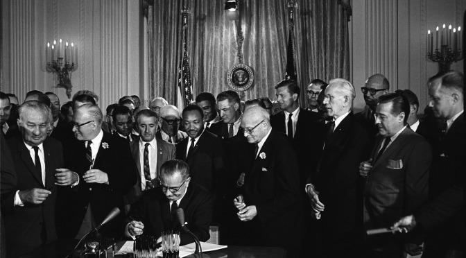 """""""Órdenes de matar"""" al Dr. Martin Luther King: El gobierno que honra a MLK con una fiesta nacional lo mató"""
