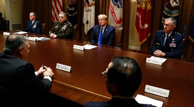 A medida que EE.UU. se tambalea de COVID-19, Trump se centra en las sanciones, las guerras y las amenazas