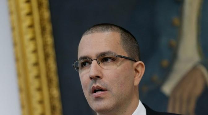 """Gran Bretaña advertida contra el """"Golpe de Estado"""" en Venezuela tras el descubrimiento en su embajada"""