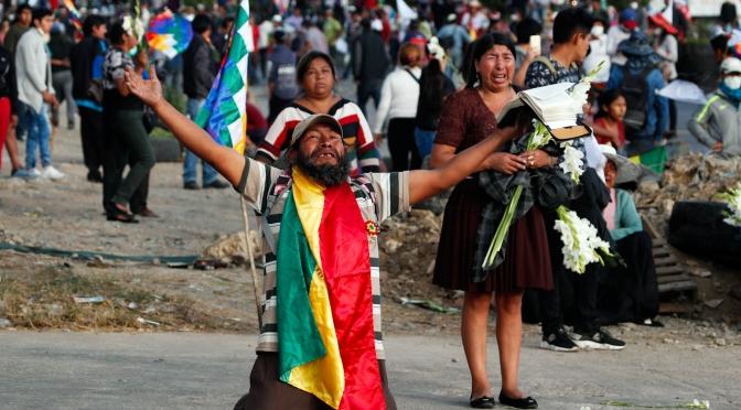 Twitter apunta a las cuentas de MintPress y otros medios que cubren los disturbios en Bolivia