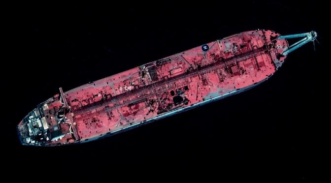 FSO Safer: Un petrolero accidentado frente a la costa de Yemen podría causar una explosión que empequeñecería la explosión de Beirut