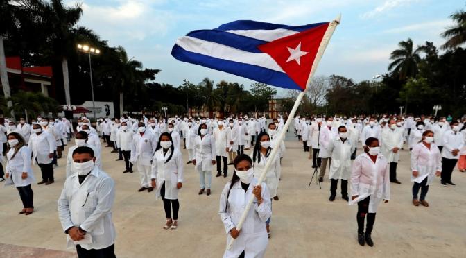 """¿Qué podemos aprender de Cuba? El programa """"Medicare for all"""" es un comienzo, no el punto final."""