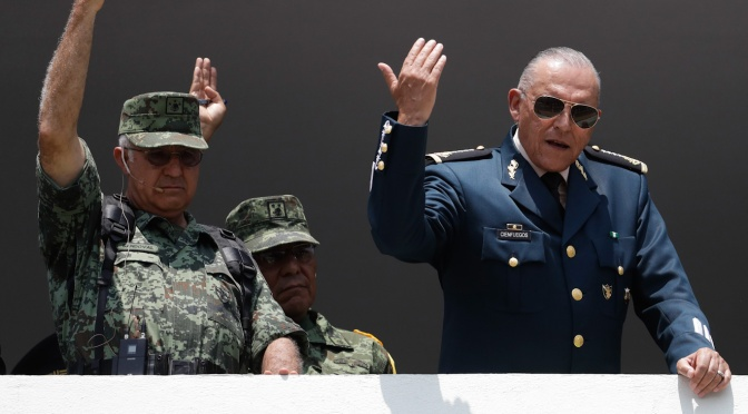 México volverá a trazar la relación de la guerra contra las drogas con los EE.UU. después del arresto del general mexicano