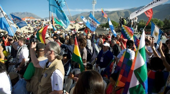 Bolivia se encamina hacia la política y la economía cooperativa