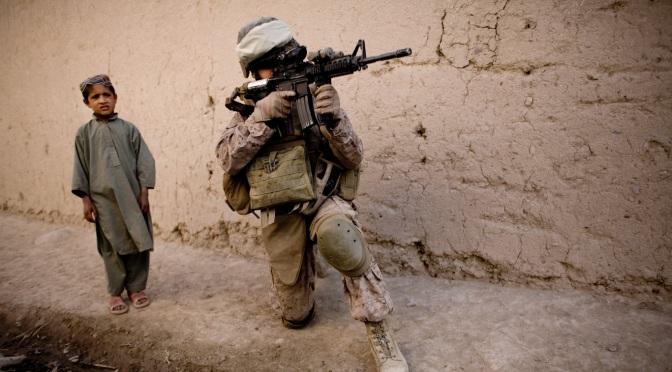 John Pilger: Afganistán, el gran juego de aplastar países