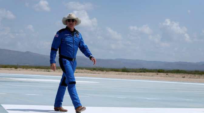 Jeff Bezos debería haber agradecido a los contribuyentes estadounidenses por pagar su viaje espacial